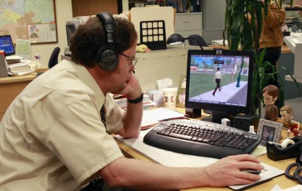 10 искушений офисного сотрудника во время работы